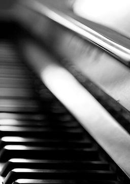 Piano B & W