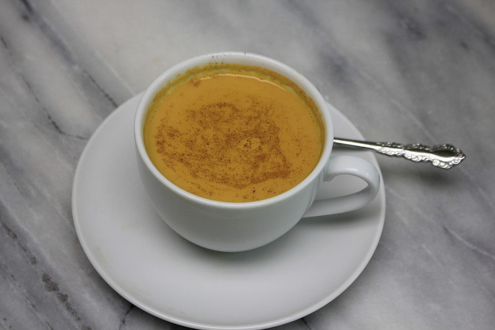How to make golden milk latte and health benefits