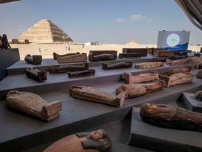 מצרים חושפת אוצר של למעלה מ-100 סרקופגים