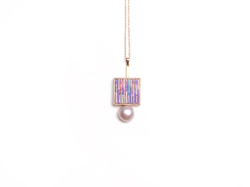 Wood necklace (pink)