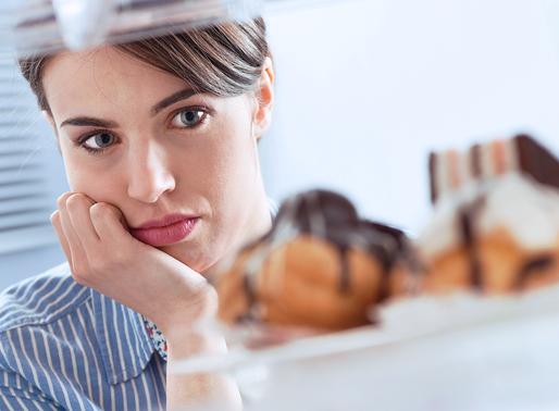 Como a terapia cognitivo comportamental pode me ajudar na compulsão alimentar?