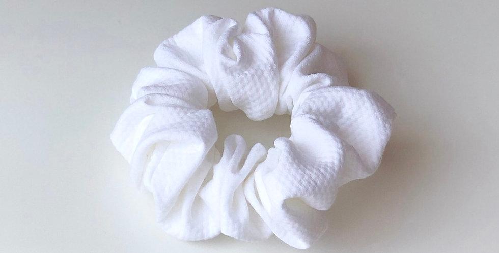 WHITE scrunchie mini