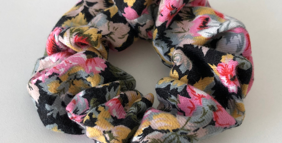 FLOWERS SCRUNCHIE