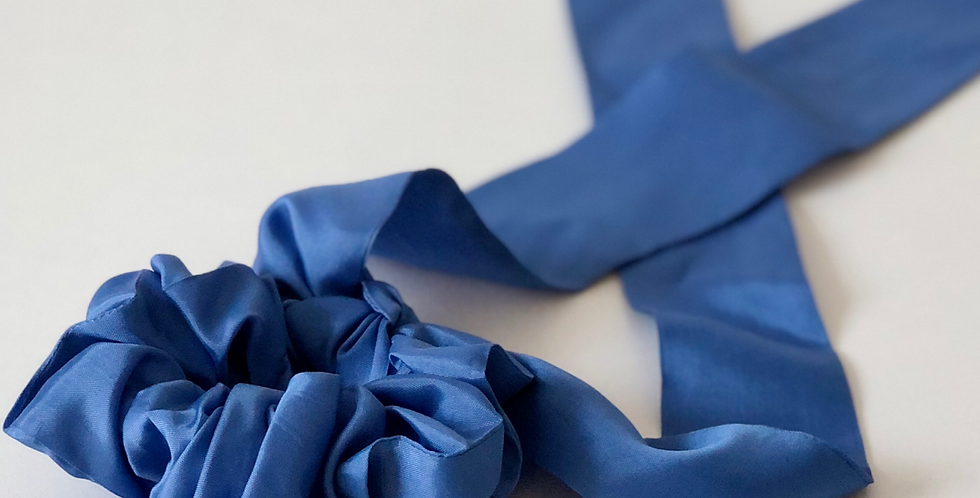 BLUE DREAM scrunchie