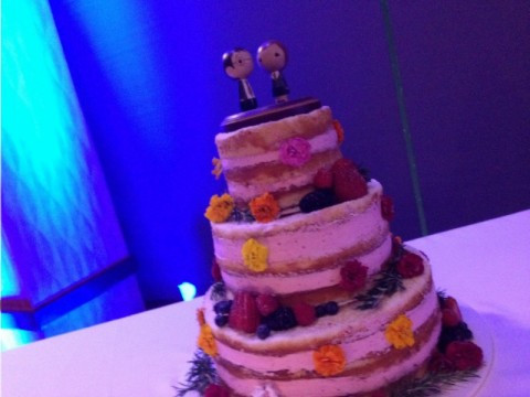 Sweet & Simple Wedding Cakes