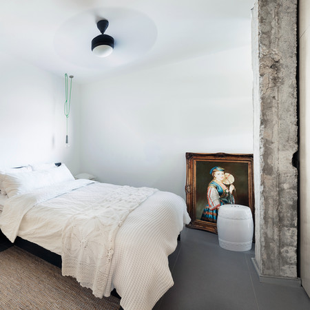 Minimal Art Bedroom