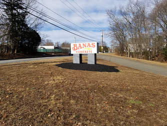 Banas Concrete Service Sign