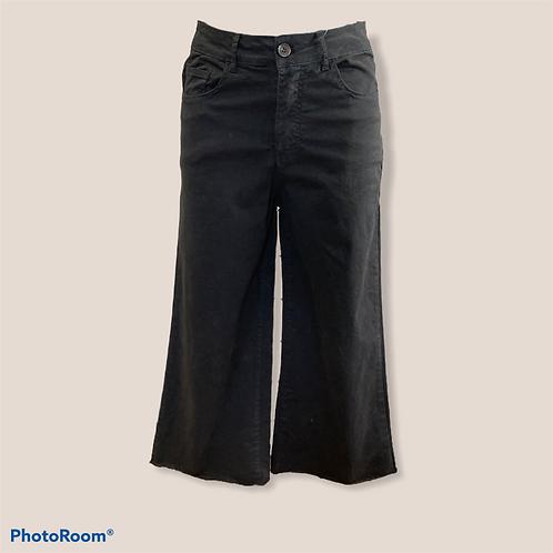 Pantalone largo corto
