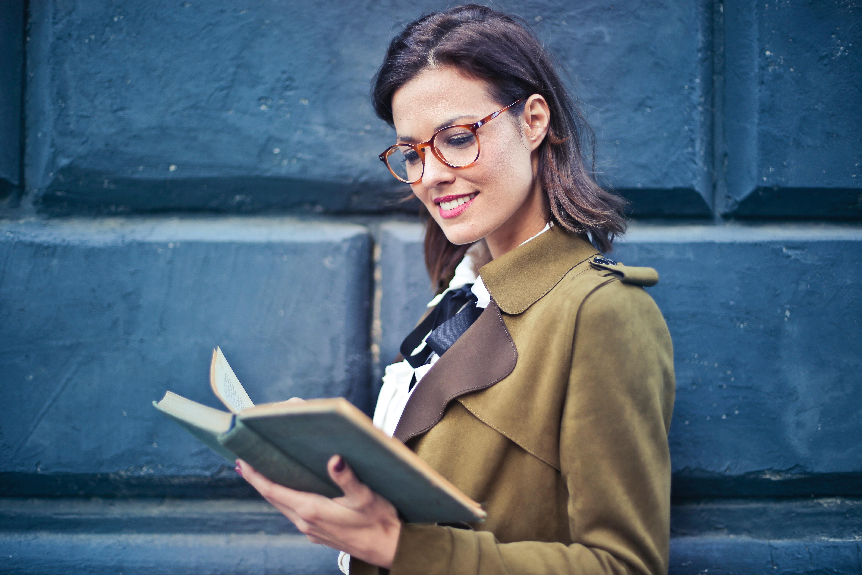 beautiful-book-eyeglasses-762080