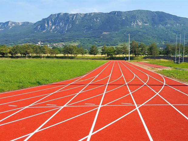 Polyurethane athletic tracks and multipurpose surfaces