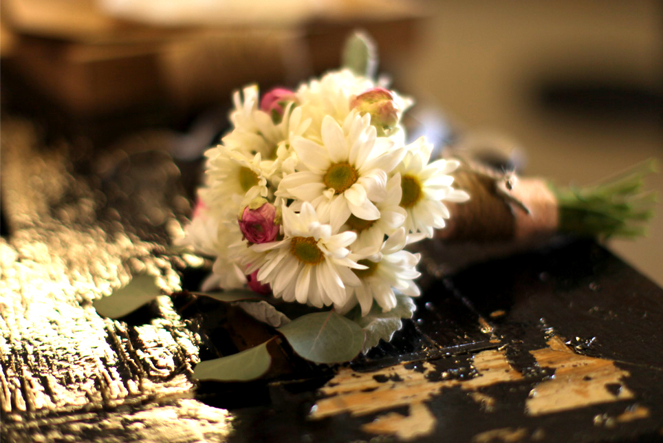 _0007_Soiree-Girls-SpaceOne19-Halbach-Detials-flowers.jpg