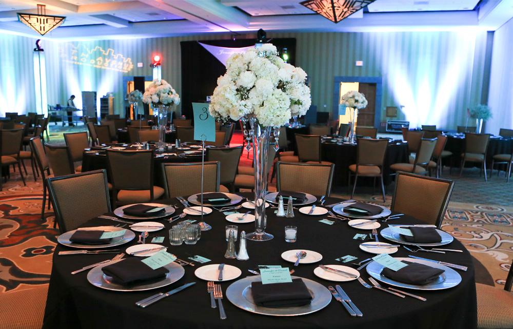 Soiree-Girls-Wedding-planning-Styling-Hilton-El-Conquistador-glam010.jpg