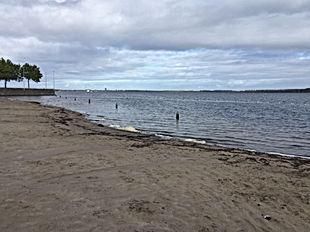 Hardlopen naar en langs het strand in Huizen