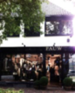 Luxe kleding winkel Pauw in Laren