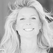 Jacqueline Rosenberg, huidspecialist in acne, rimpels en huidverslapping. Glycolzuur, hyaluronzuur voor celvernieuwing is DE nieuwe huidverbetering.