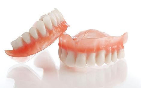 -зубные-протезы-e1549379109341.jpg