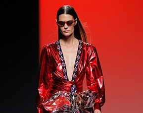 080 Barcelona Fashion 2019. Custo Barcelona, Bold and sexy.