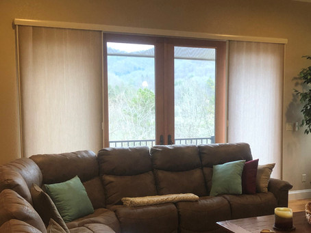 Hunter Douglas VERTIGLIDE™ Blinds