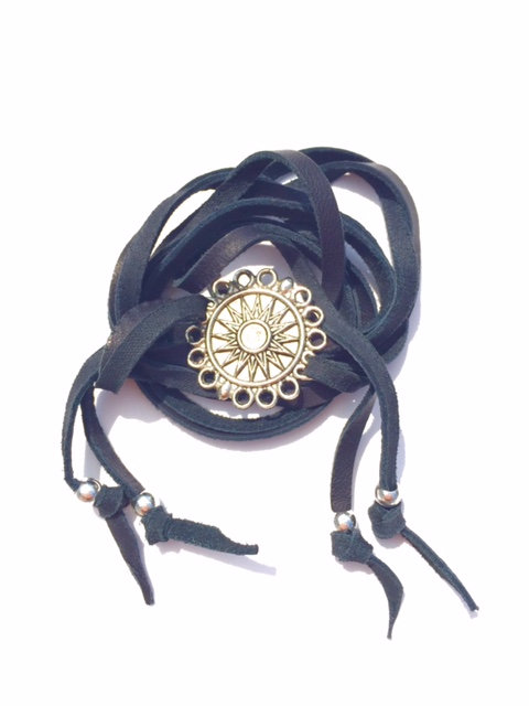 The 3 Way Compass Wrap in Black