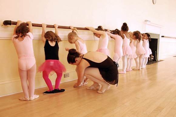 Ballet 1 Saturday 12:00-1:00- ALMOST FULL!