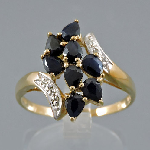 Beautiful Sapphire Cluster and Diamond Ring Set in 9ct Gold