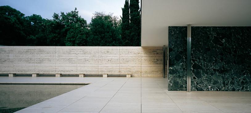 Le Corbuiser's Villa Savoye, and Mies van der Rohe's Barcelona Pavilion: A Comparison
