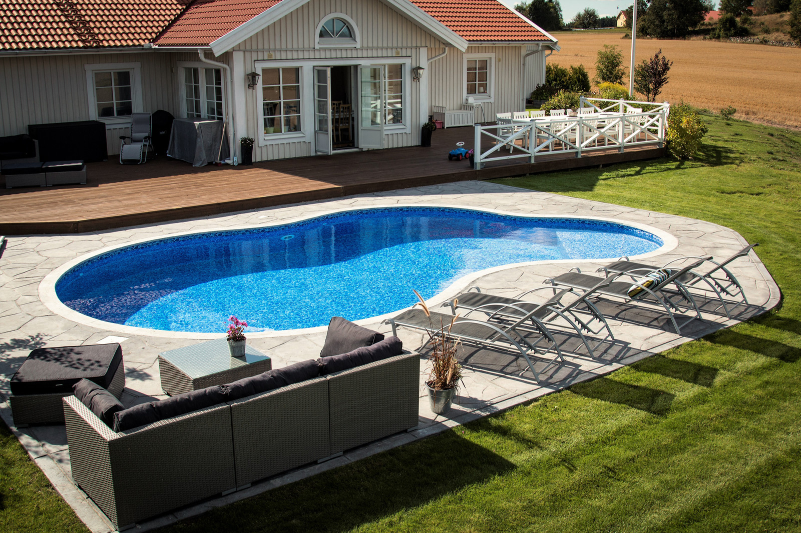 bygga pool linköping