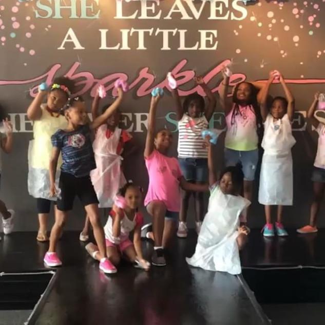 SLIME TIME inside the GLAM LAB 🔬 _#slime #diy #glamdollssalonspa #glamsummercamp #girlpower #kidsspa