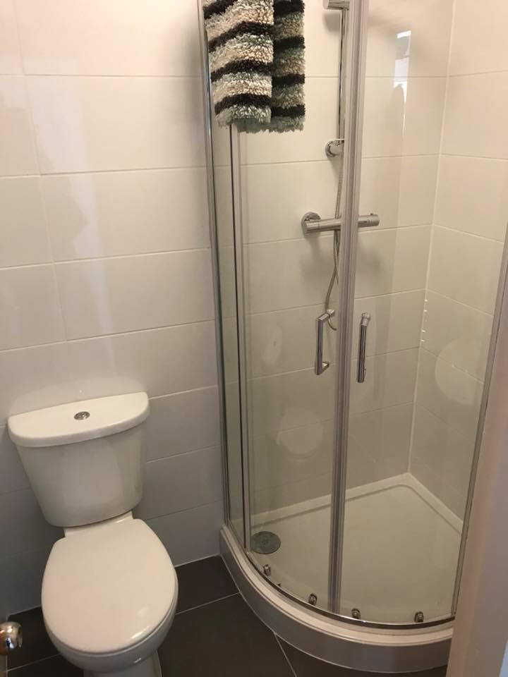 5 MR Shower.jpg