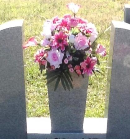 Grave Arrangement S09