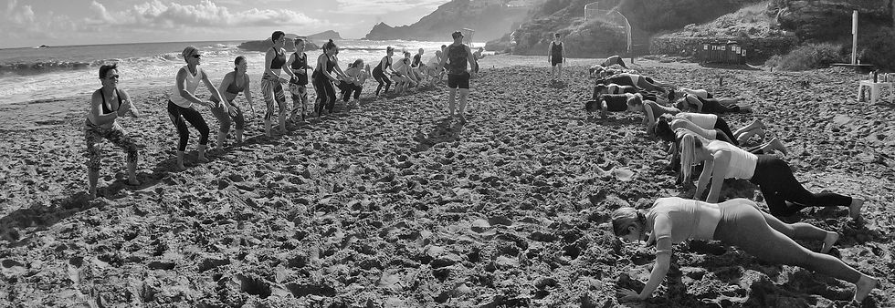 Outdoor bootcamp beach loads of smiling people