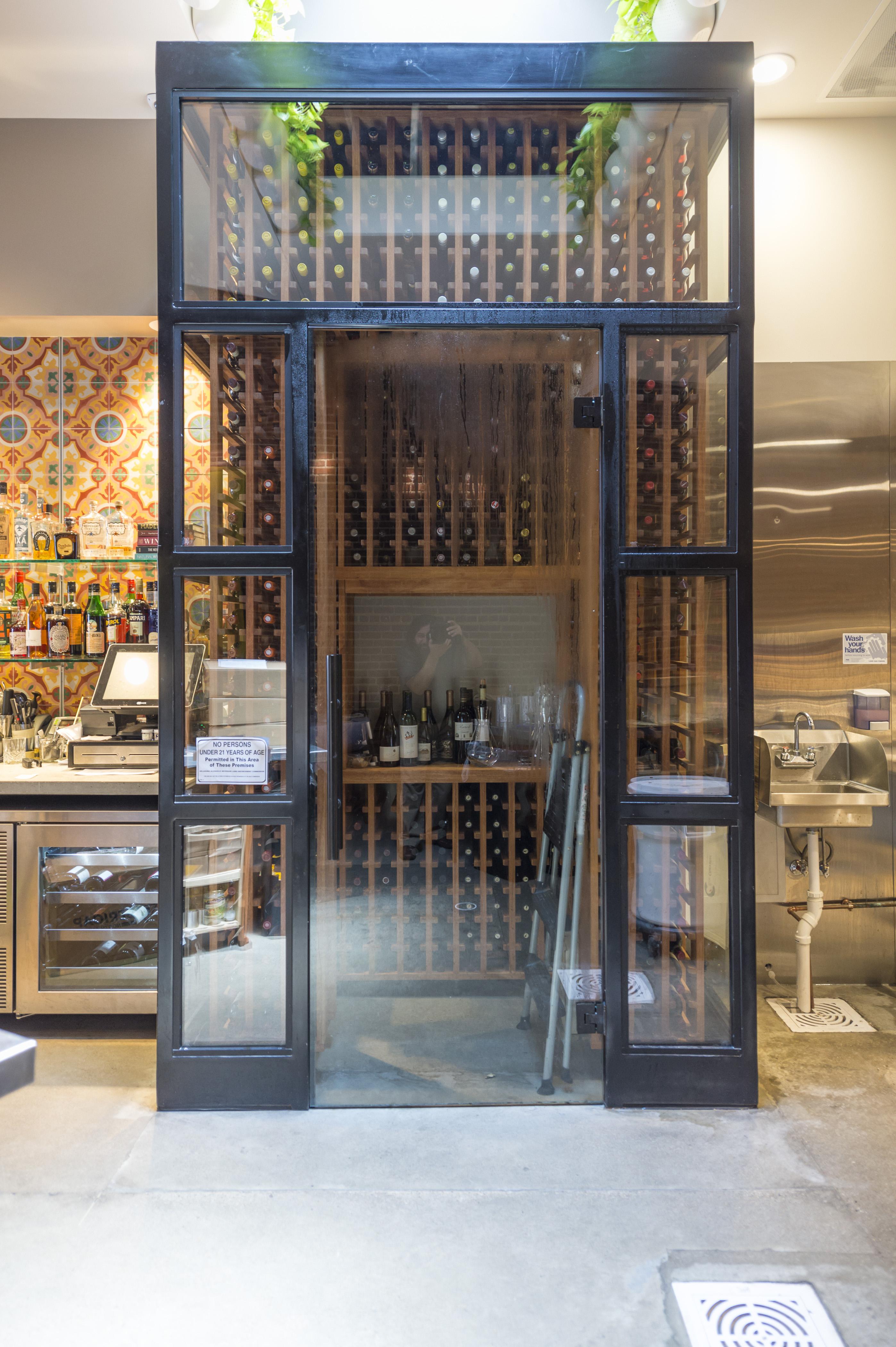 06 12 2017 Amelia's restaurant SILO EC0031