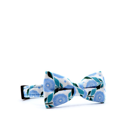 RETRO DAISIES BLUE WEEKEND BOW PET COLLAR