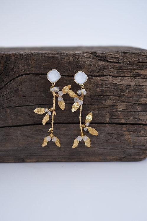 mn-d-196 mistletoe earring