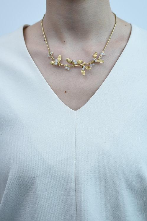 mn-d-195 mistletoe necklace