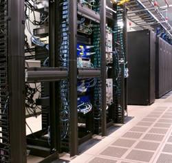 Data-Centre-Cooling-Condenser-Condensing-Unit_300x285