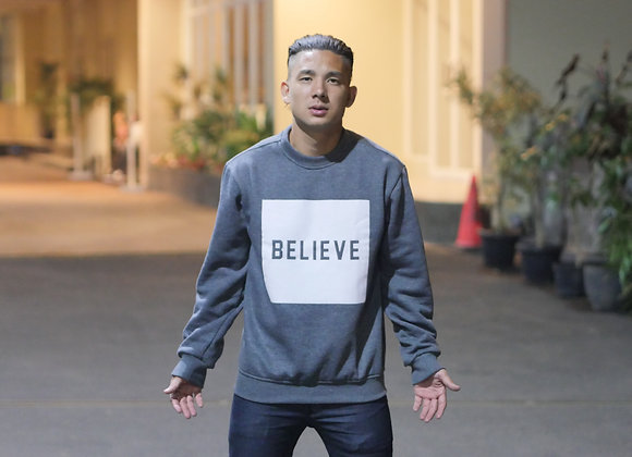 """Sweater BELIEVE"""