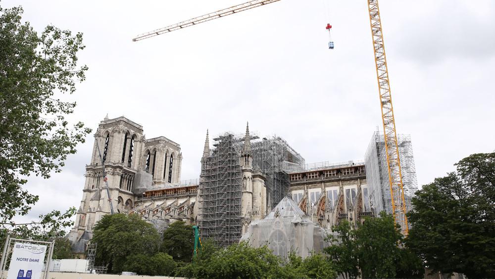 图为6月9日拍摄的巴黎圣母院。(图片来源:新华社)