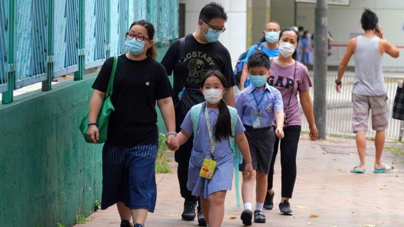 香港同时爆发上呼吸道感染,部分小学年级停面授课。