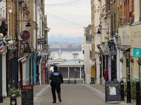 英国两大零售巨头德本汉姆和阿卡迪亚先后宣布破产