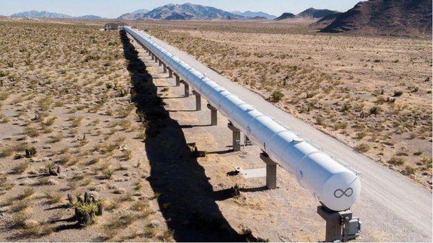 维珍超级高铁在内华达州沙漠中的测试管道