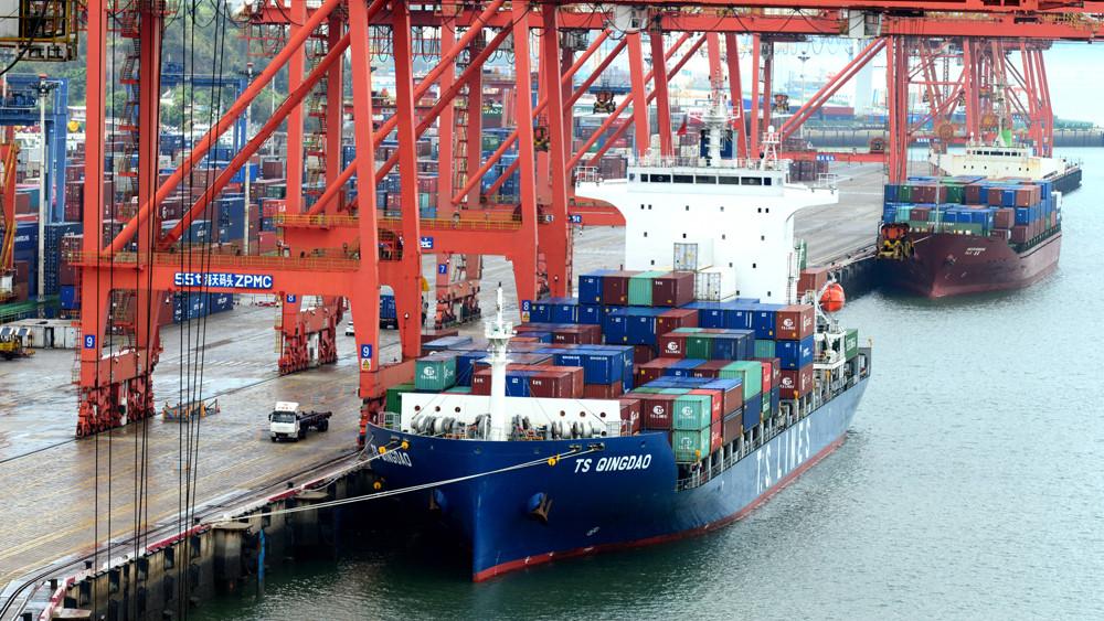 图为厦门港海天集装箱码头。(图片来源:中新社)