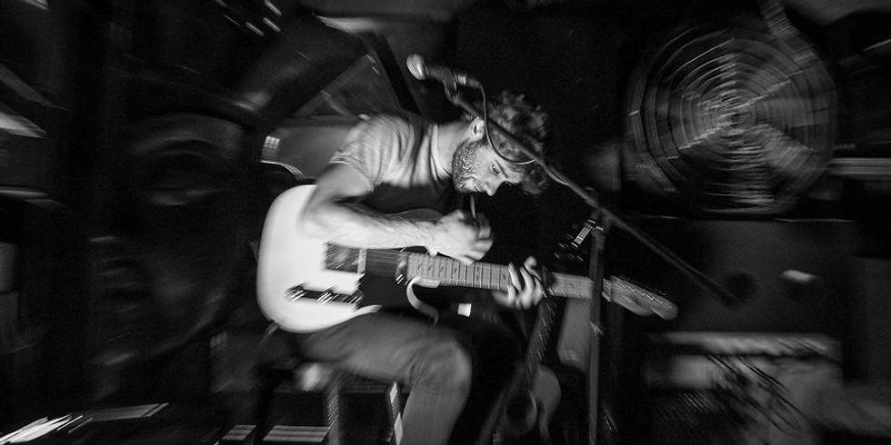 Bark presents: Ste Forshaw (band show) / Emily Izen Row /Borders