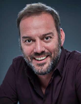 Laurence Saunders as 'Barry'