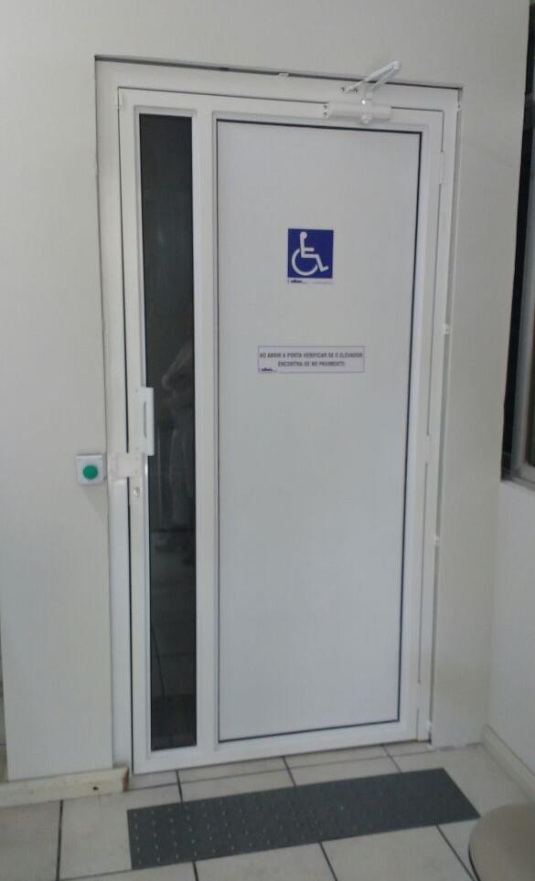 Plataforma comercial cabine fechada  (5)