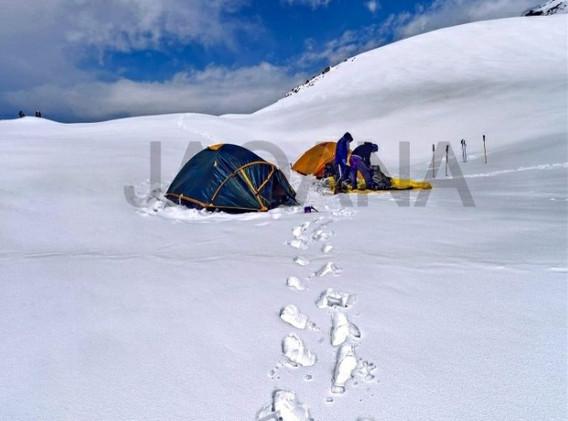 Extreme Weather Glacier tent.jpg