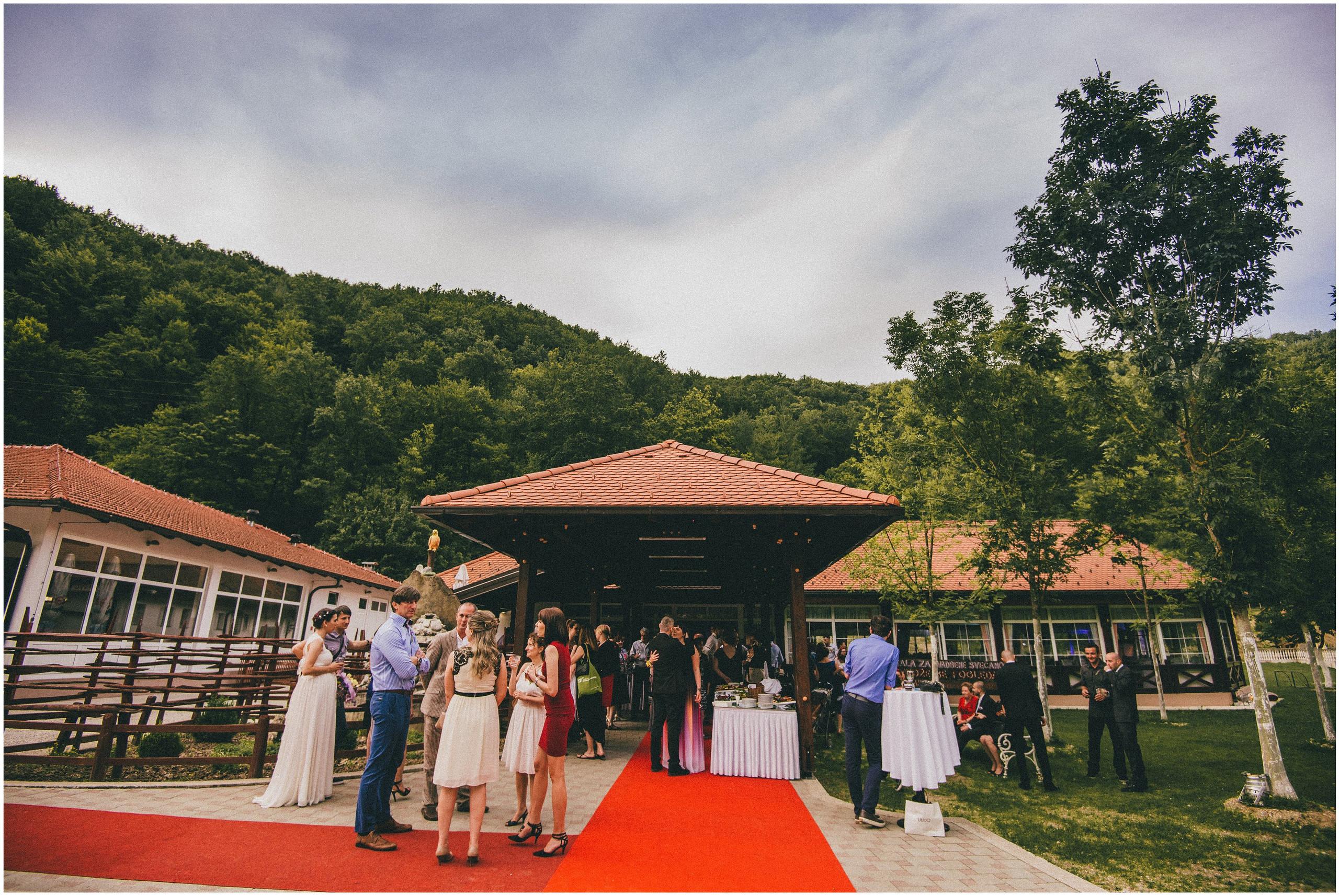 Vjenčanja Divlje Vode, okupljanje gostiju