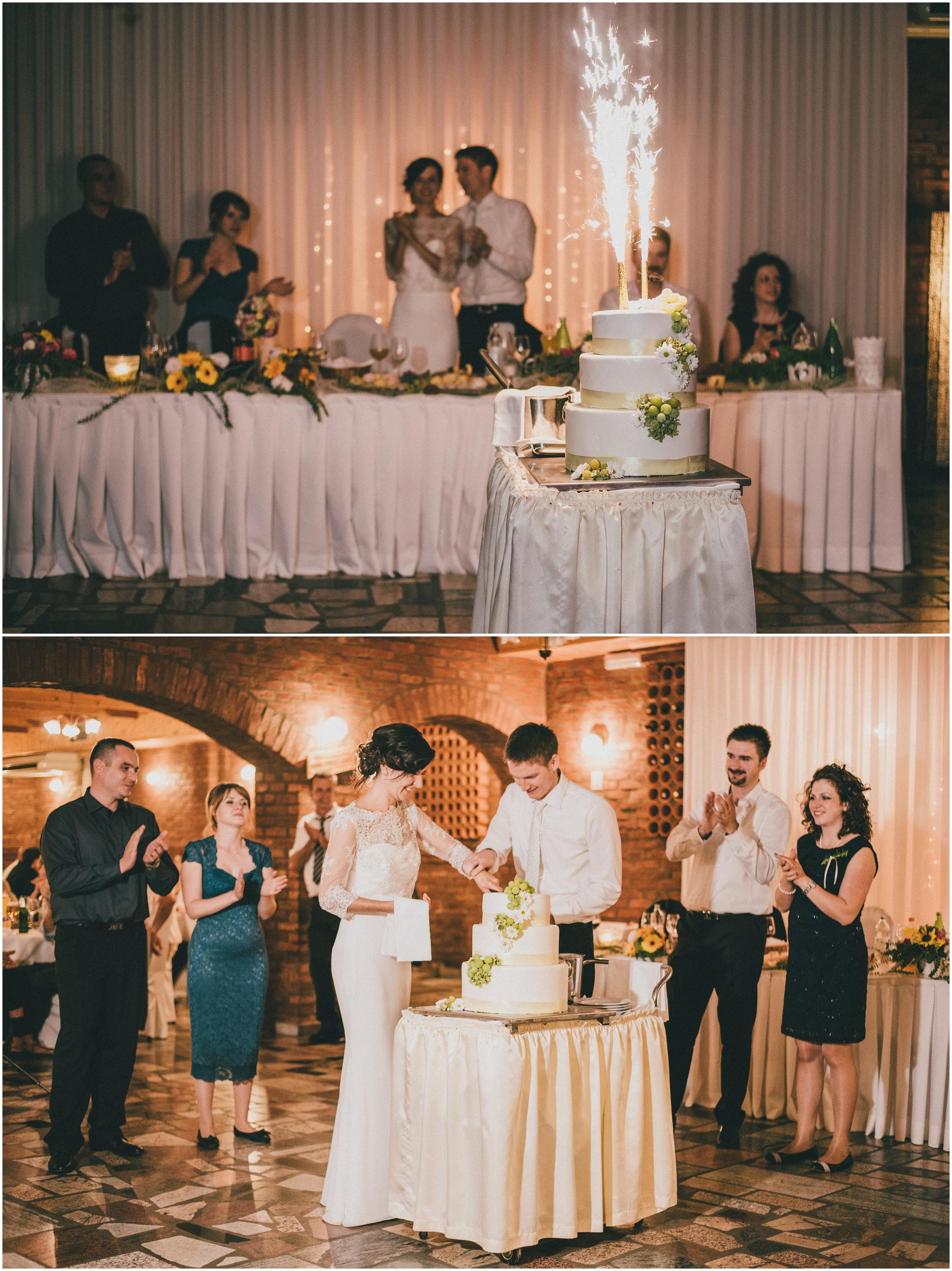 Rezanje svadbene torte