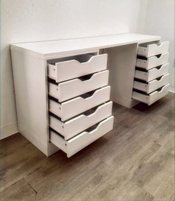 10 Drawer Desk: