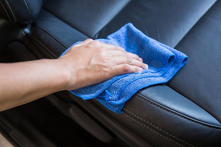 Cleaning-Leather-Seat_113731582.jpg